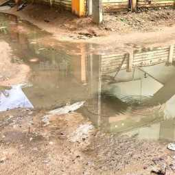 drainage water overflows on road at mayiladuthurai