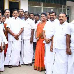 100 people joined the AIADMK