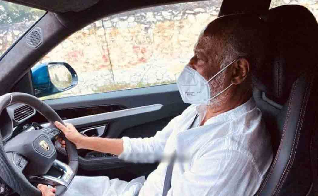 chennai corporation commissioner about rajinikanth car ride