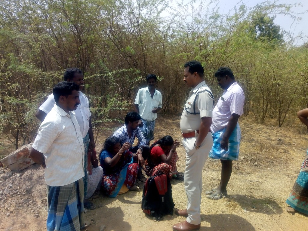 Murder near Bhuvanagiri! body throwed in blows in barbed