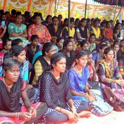 PUDUKKOTTAI DEGREE HOLDERS STRIKE NEED FOR JOBS