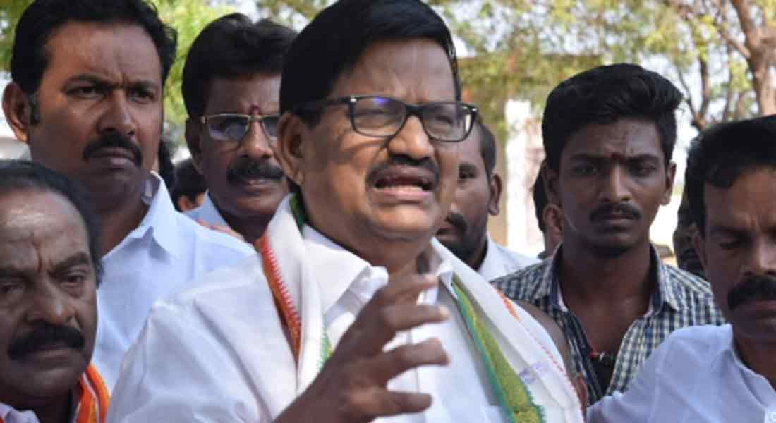 Vijay should not fear IT test threat - KS.azhagiri