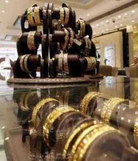 bengaluru jewel shop owner arrested in delhi