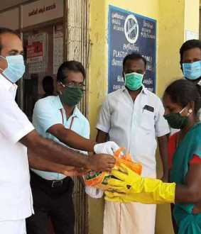 DMK MLA Provides Protective Equipment To Cleaners Struggling On The Field To Prevent Corona Spread