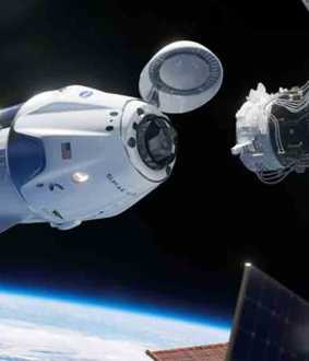space x crew dragon joins space station