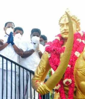 Ministers pay tribute to azhagumuthukon