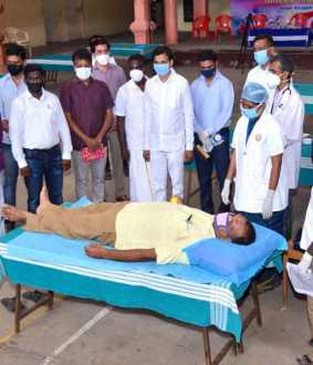 mayiladuthurai district blood donation camp peoples, youths