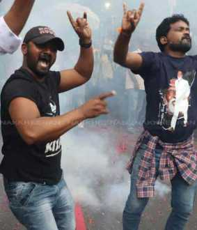 rajnikanth politics entry fans celebration over all tamilnadu